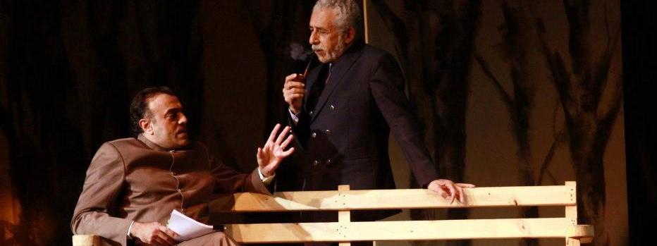 Naseeruddin Shah and Rajat Kapoor in the play at Kamani,New Delhi